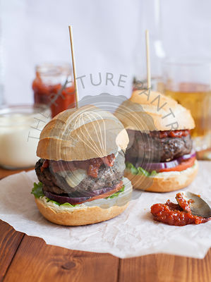 Cheeseburgers with Tomato Relish