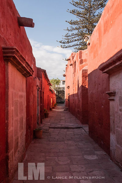 Narrow street in  Monasterio de Santa Catalina