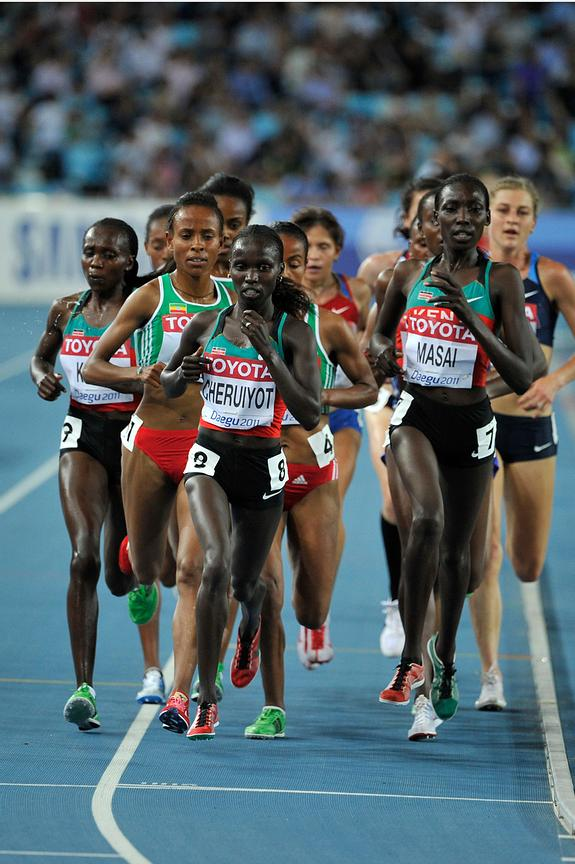 Vivian Jepkemoi Cheruiyot takes the first position during the 5000m race.