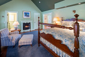 023_Master_Suite_with_fireplace