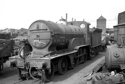 PHOTOS OF D2 CLASS ER 4-4-0 STEAM LOCOS
