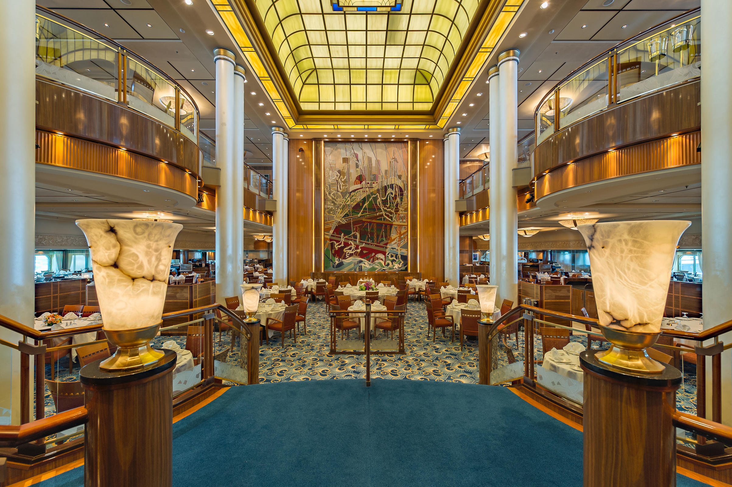 Queen Mary 2 Dining Room