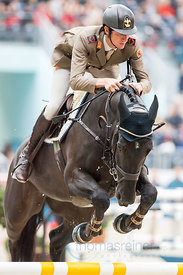 Paris, France, 17.3.2018, Sport, Reitsport, Saut Hermes - PRIX GL Events Bild zeigt Alberto ZORZI(ITA) riding Viceversa de la Roque...17/03/18, Paris, France, Sport, Equestrian sport Saut Hermes - PRIX GL Events. Image shows Alberto ZORZI(ITA) riding Viceversa de la Roque.