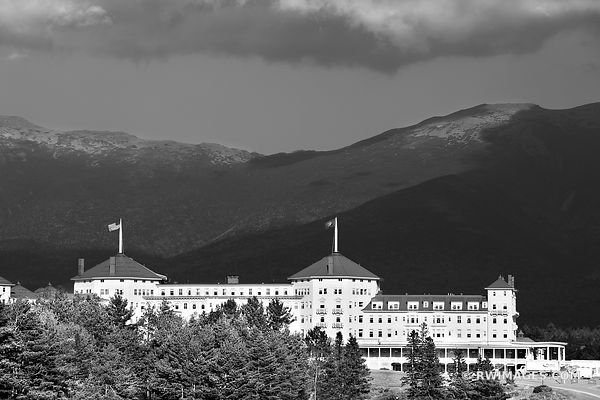 MOUNT WASHINGTON HOTEL WHITE MOUNTAINS NEW HAMPSHIRE BLACK AND WHITE