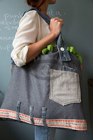 Serie from Bag to Apron