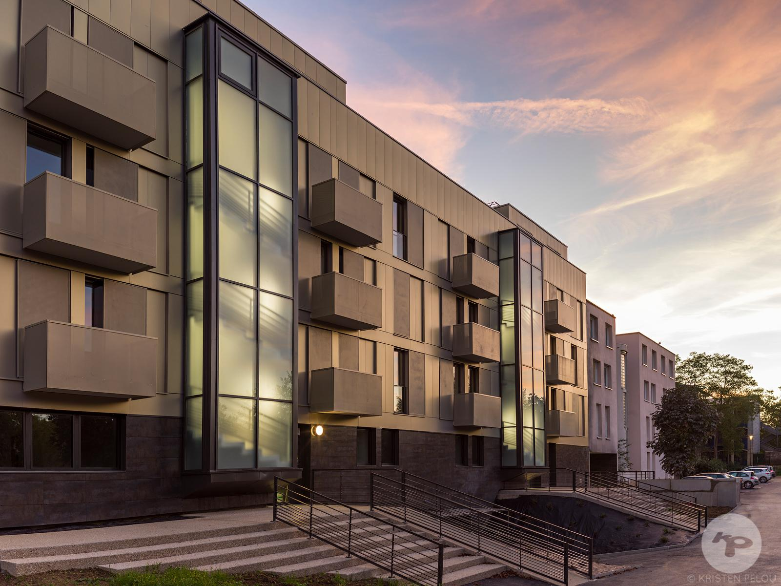 Architecture photographer Paris - Residencial building by LEMEROU architecture etc., Cergy Pontoise, France. Photo ©Kristen P...
