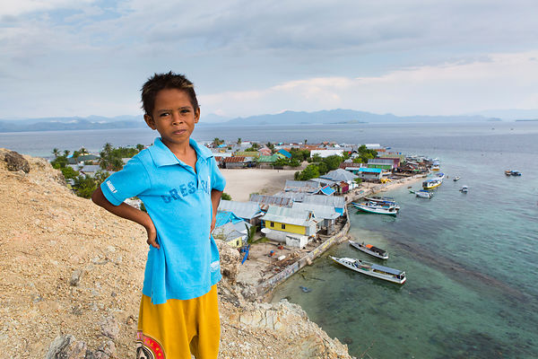 Salim, 8 ans, Pulau Messah, Flores, Indonésie / Salim, 8 years old, Pulau Messah, Flores, Indonesia