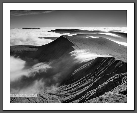 Cribyn, from Pen Y Fan - BP6630