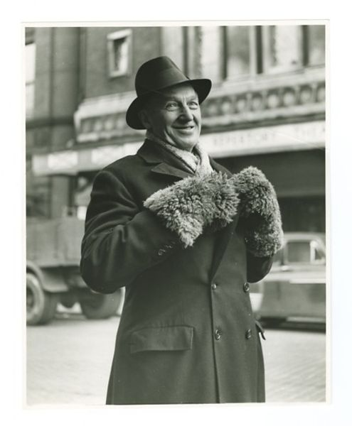 Sir_Barry_Jackson_laughing_in_front_of_The_Birmingham_Rep__Station_Street.