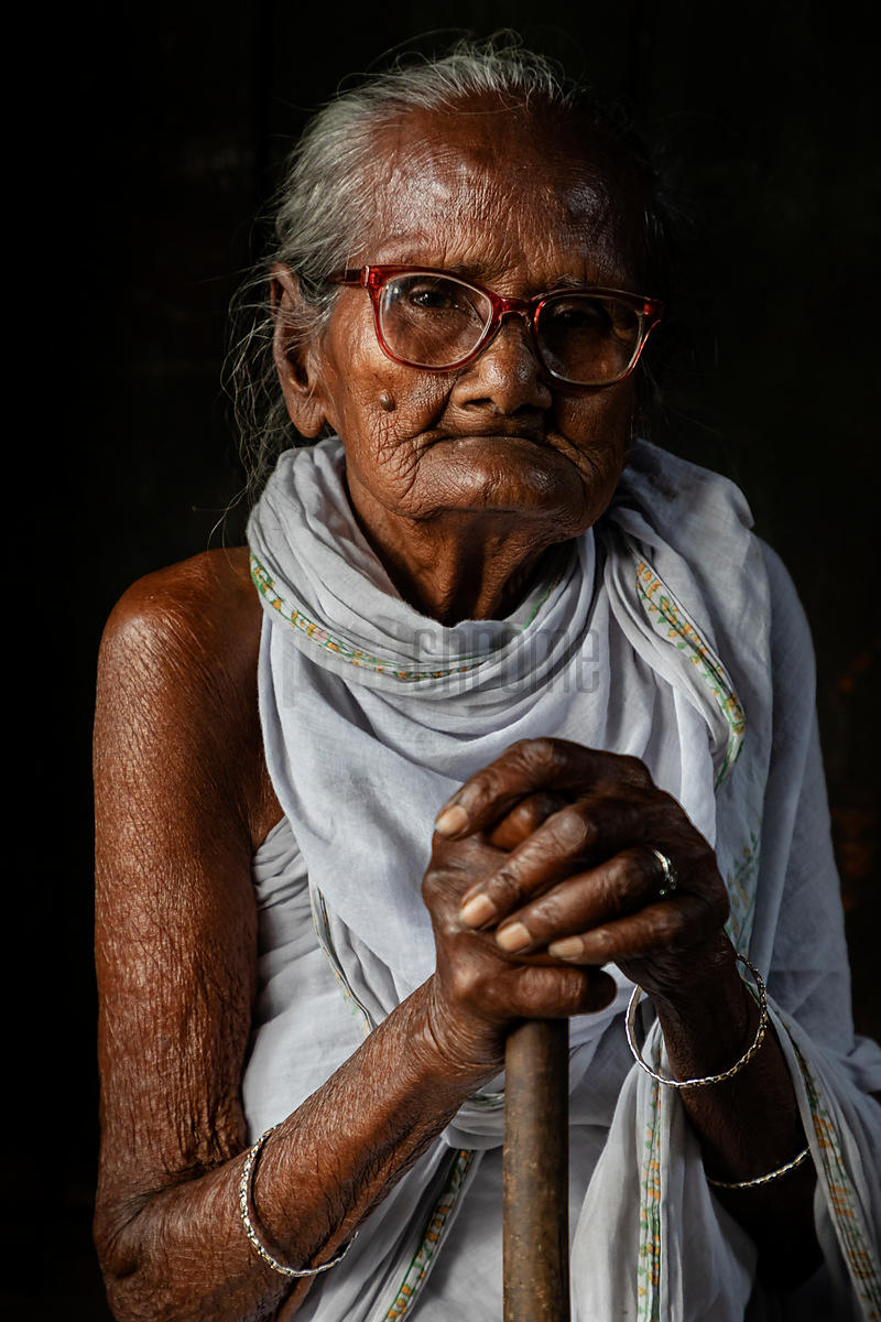 Portrait of Bina Madhi, a 90+ year old Chai Wallah outside the Maniktala Market
