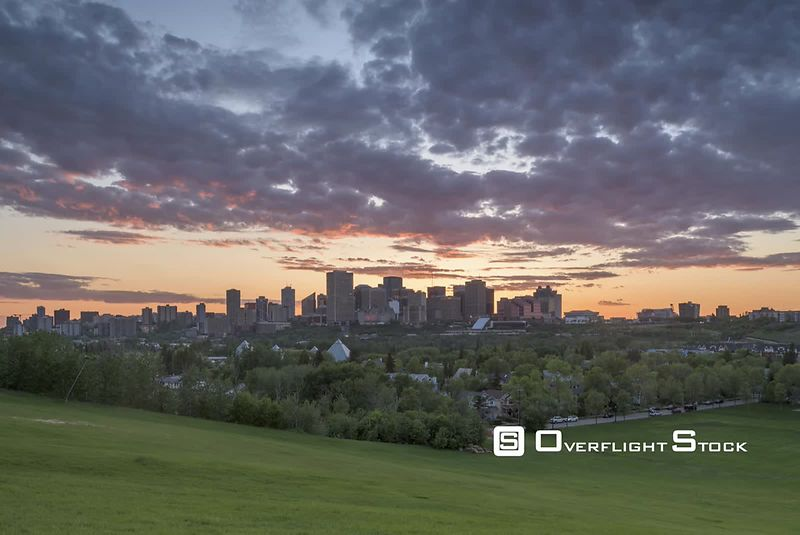 Time-Lapse of Early twilight over Edmonton Alberta skyline from Gallagher Park