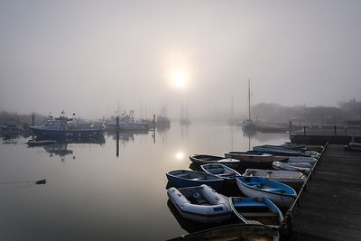 Sun_through_fog_-_The_Quay_Lymington