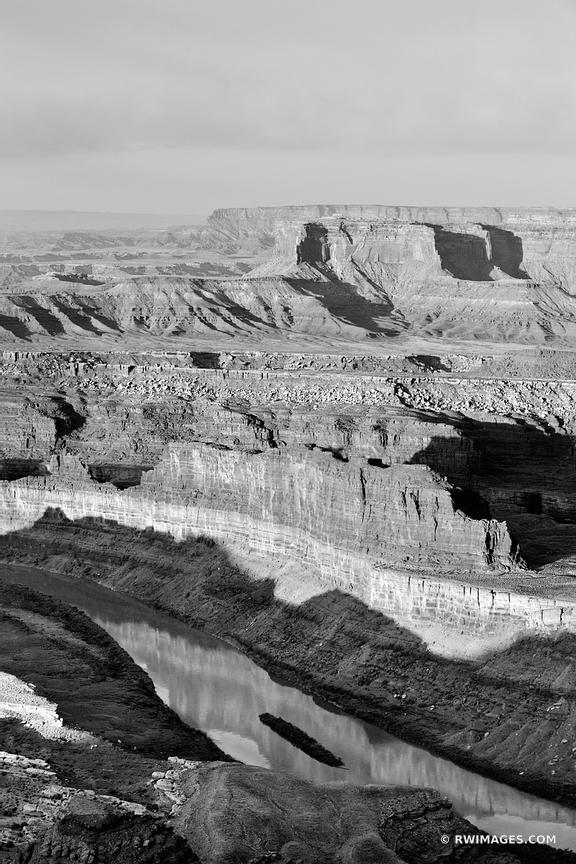 DEAD HORSE POINT STATE PARK UTAH CANYONLANDS NATIONAL PARK UTAH SUNRISE BLACK AND WHITE VERTICAL