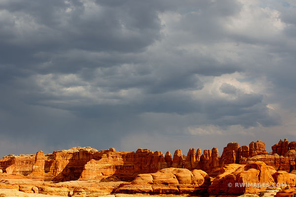 CHESLER PARK TRAIL NEEDLES DISTRICT STORMY SKIES CANYONLANDS NATIONAL PARK UTAH