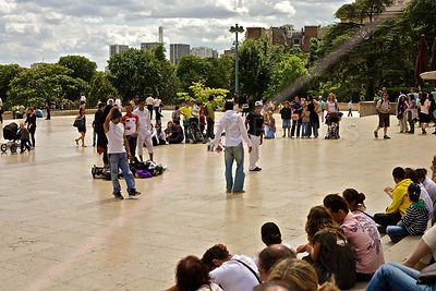 Street Entertainers on the Place du Trocadéro