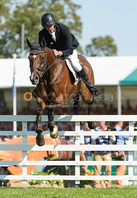 Mark Todd and NZB CAMPINO, showjumping phase, Land Rover Burghley Horse Trials 2018