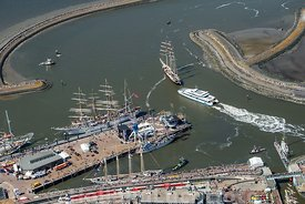 Harlingen - Luchtfoto Tall Ships Races 2