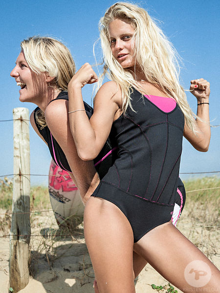 0808SurfingGirls1031