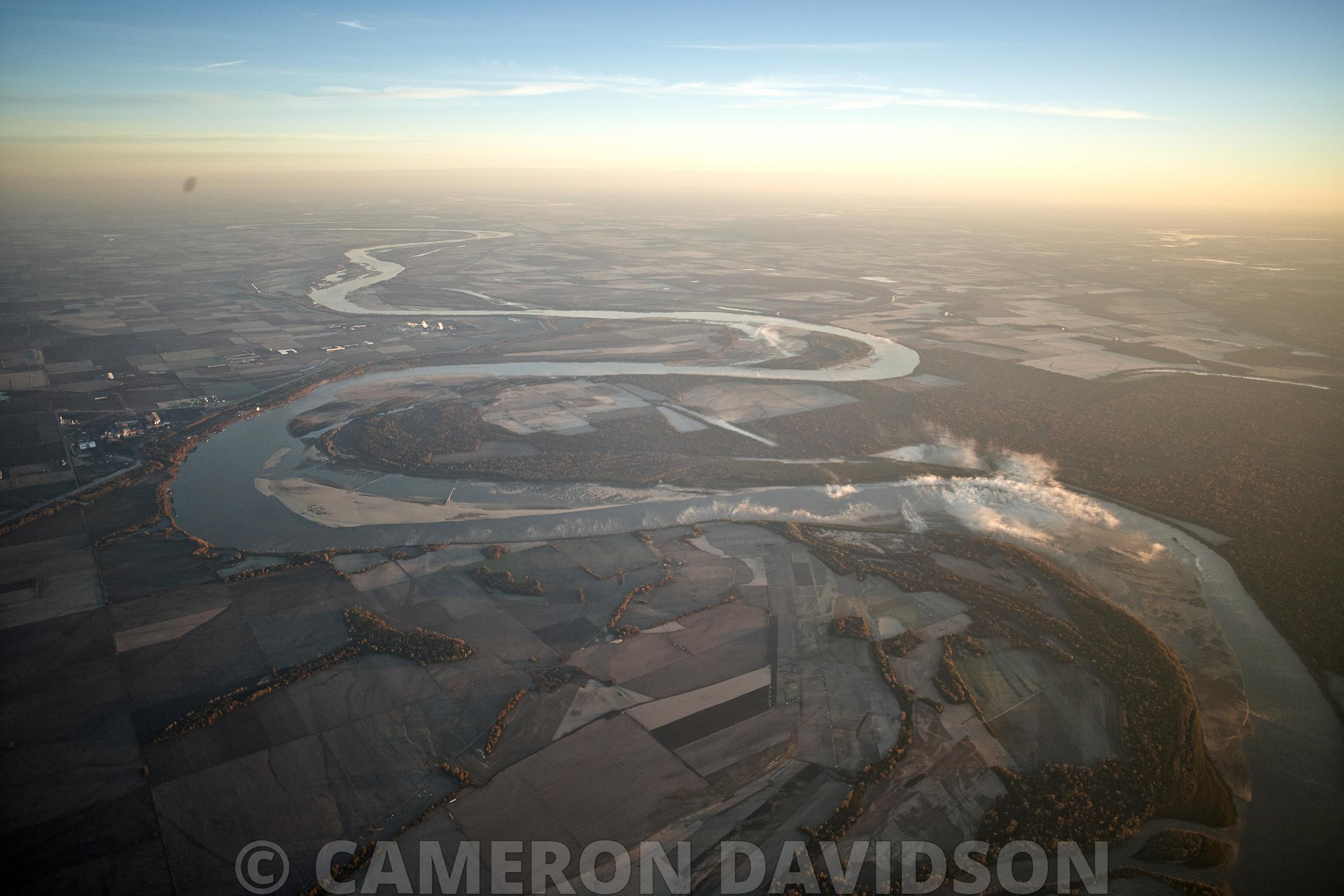 Aerial photograph of the MIssissippi River north of Memphis Tennessee