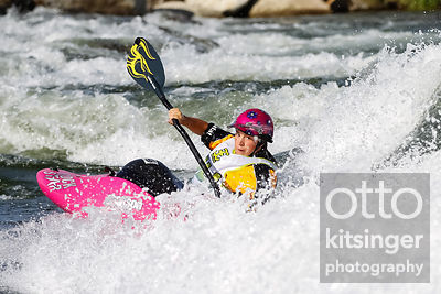 Women's Freestyle Kayak - Emily Jackson