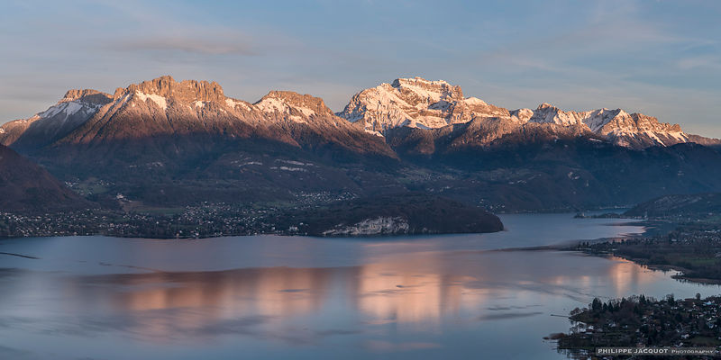 Automnal reflection - Lake Annecy