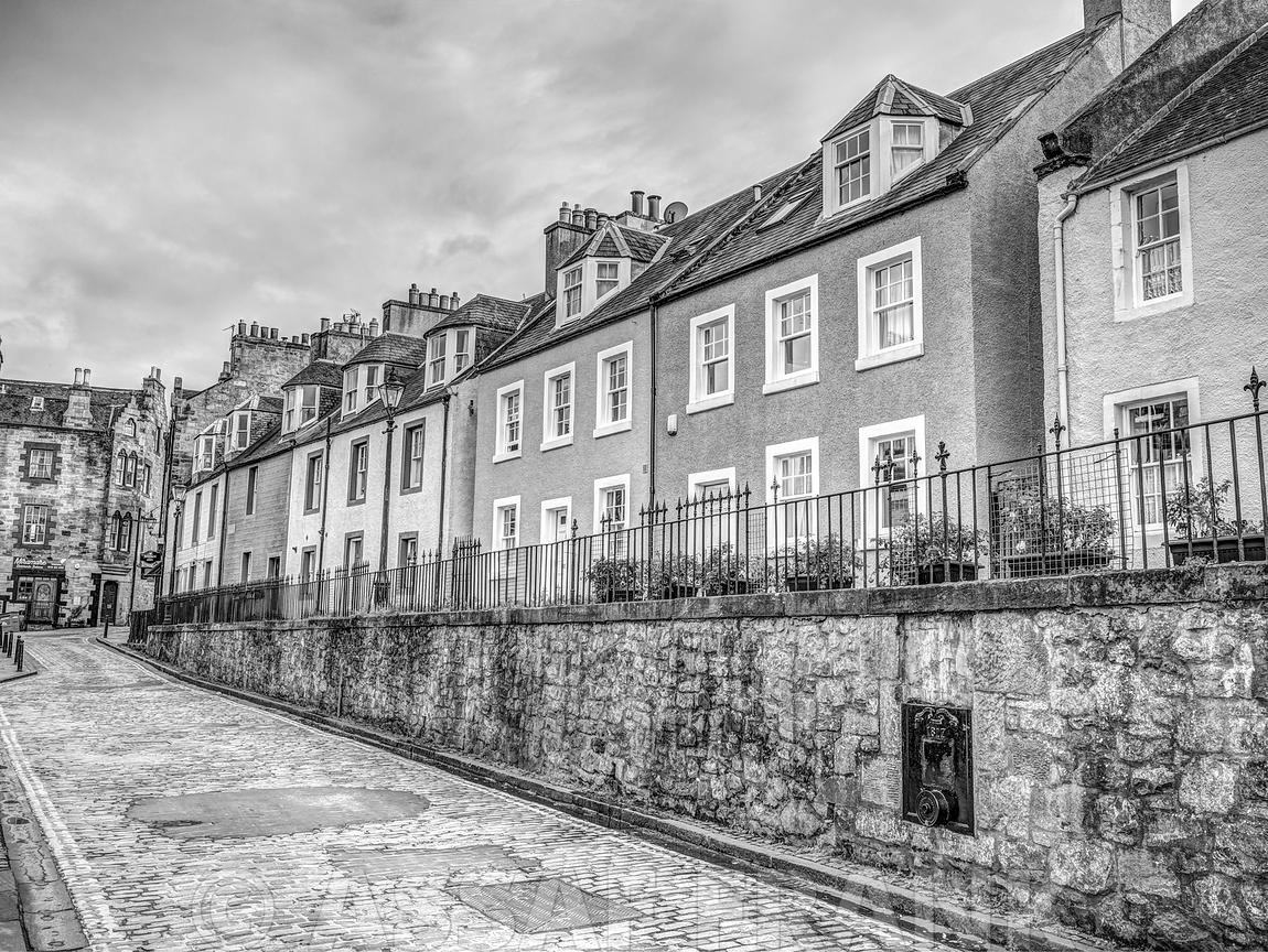 Black and white buildings in South Queensferry, Scotland