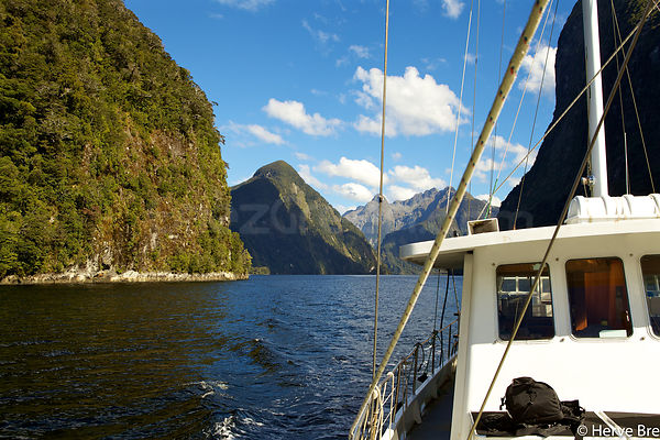 Sailing Doubtful Sounds aboard Break Sea Girl