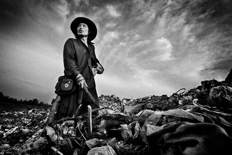 Refugees from Burma - Rubbish Dump