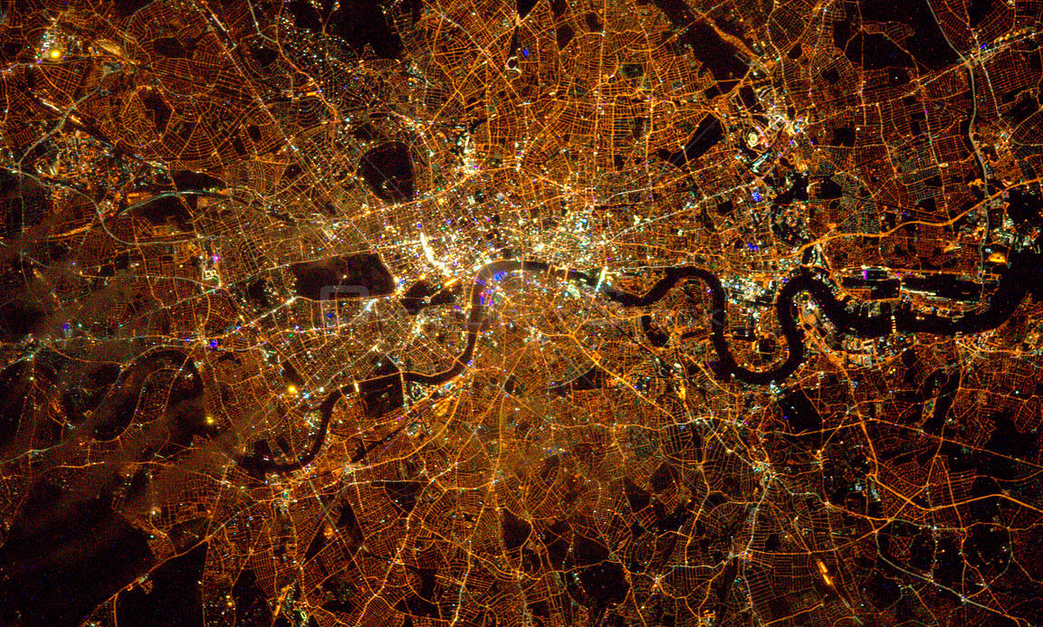 Tim Peake sends amazing night photo of London England