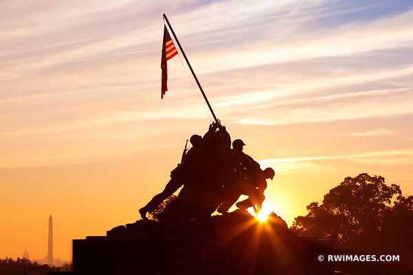 SUNRISE MARINE CORPS IWO JIMA MEMORIAL WASHINGTON DC