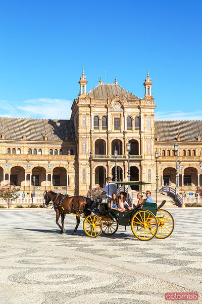 Horse cart with tourists in plaza de Espana, Seville, Spain