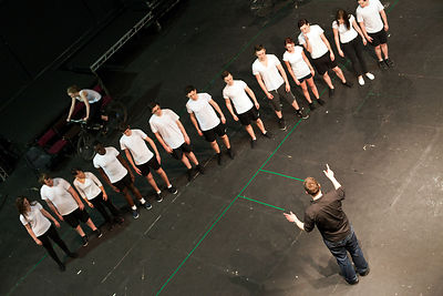 UK - Hull - Director Jamie Beale rehearses drama students from Hull University for their parts in the forthcoming production ...