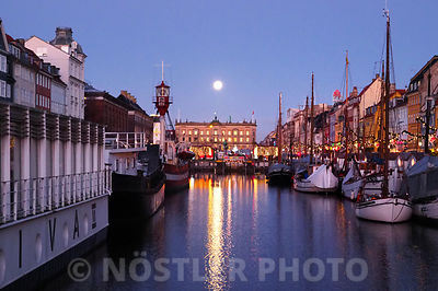 Supermoon in Nyhavn