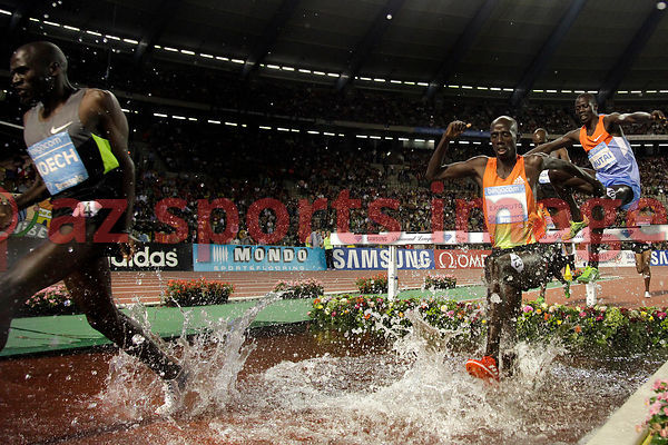 BRUSSELS, BELGIUM - SEPTEMBER 7: Brimin Kiprop Kipruto (KEN) wins the 3000m SC at theIAAF Golden League meeting at the Memori...