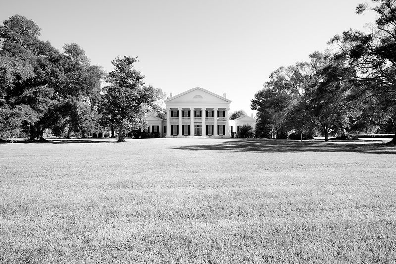 MADEWOOD PLANTATION LOUISIANA BLACK AND WHITE