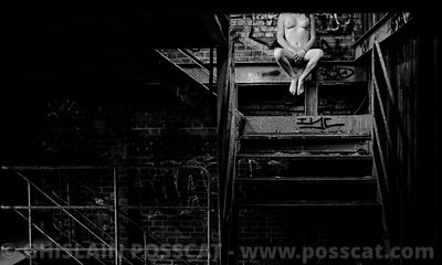 Ghost - nude girl with no head urbex
