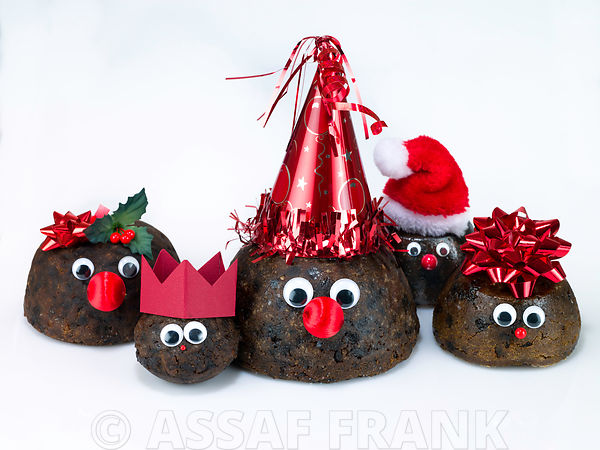 Christmas puddings as family