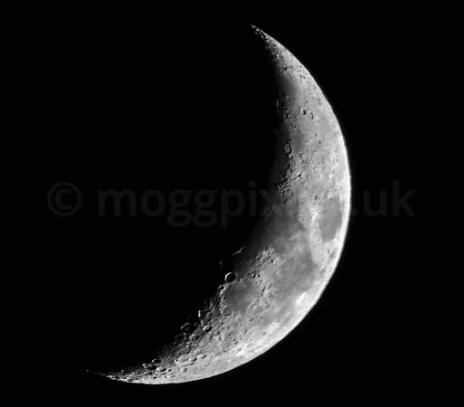 Waxing Crescent Moon - Dec 2017