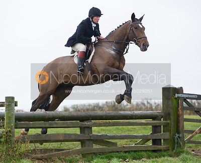 Dick Wise jumping fences at Stone Lodge Farm - The Cottesmore at John O'Gaunt 24/11/12