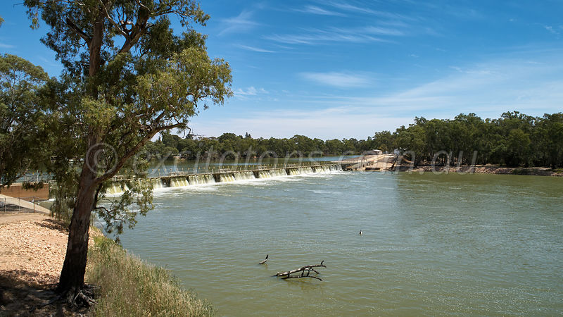 high angle Mildura weir downstream.