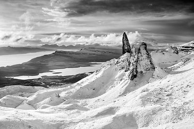 BP2303BW - The Old Man of Storr Black and White Print
