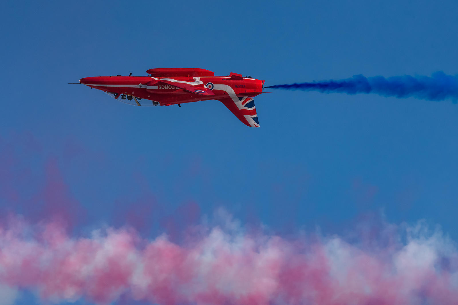 Red Arrows Hawk inverted