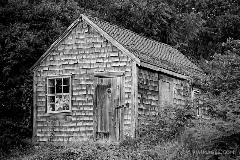 OLD HOUSE CAPE ANN MASSACHUSETTS BLACK AND WHITE