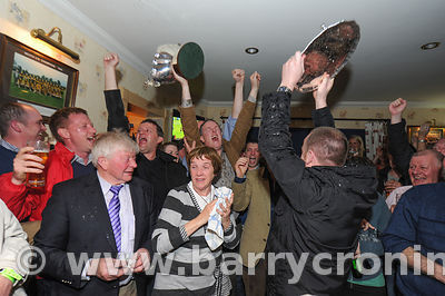 Lock Syndicate celebrate in Kilskyre pub