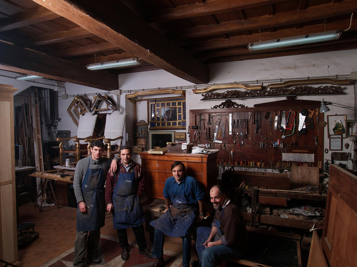 Antique Furniture Restorers, Rione Regola