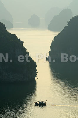 PAYSAGE, BAIE DE HA LONG, VIETNAM//Vietnam, Ha Long Bay, Landscape