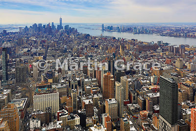View of Manhattan looking south from the Empire State Building to the Financial District, Hudson River and New Jersey, New Yo...