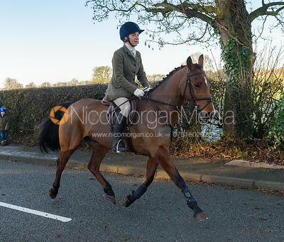 Lisa Ashmore leaving the meet - The Cottesmore Hunt at Pickwell Manor 28/12
