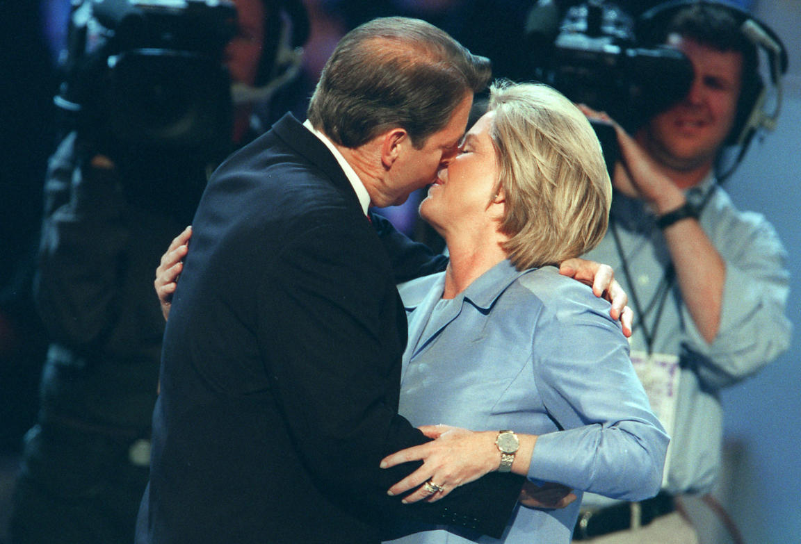 Vice President Al Gore kisses his wife, Tipper, on the last day of the 2000 Democratic National Convention.