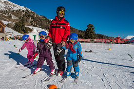 Families from China first time on ski in St.Moritz